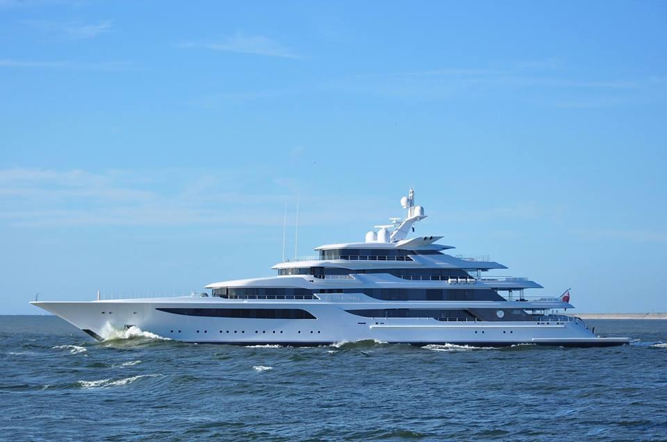 Royal Romance Superyacht