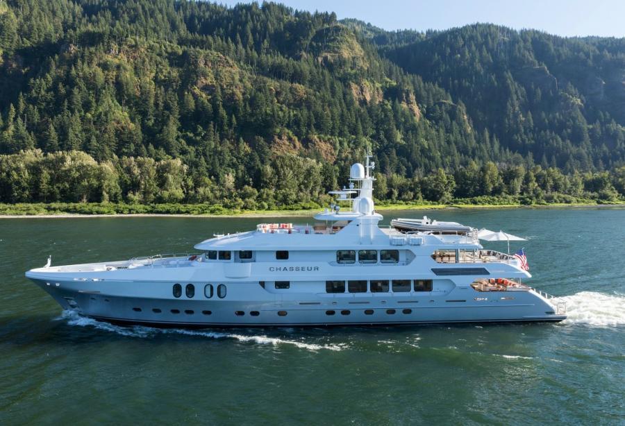 Superyacht Chasseur