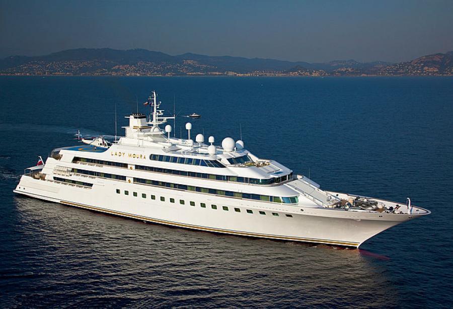 Superyacht Lady Moura